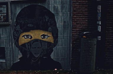 Graffiti of a girl in Amsterdam